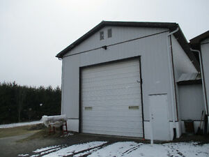 Commercial Garage in  Kemptville