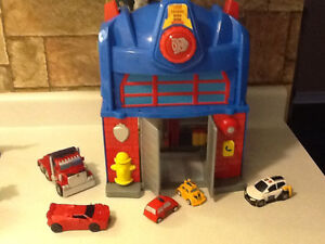 TRANSFORMERS ELECTRONIC FIRE STATION WITH EXTRAS London Ontario image 8