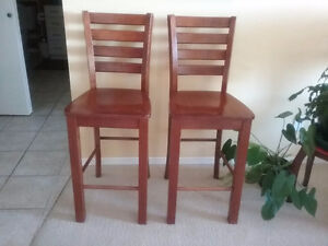 Dining Table with 4 Chairs (high)