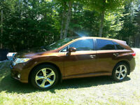 2010 Toyota Venza Touring SUV, Crossover...44,000 Km's