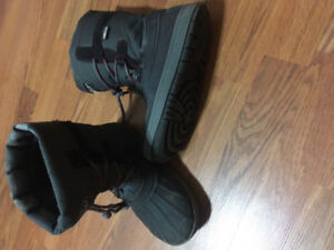 Boys Winter Boots - Size 3
