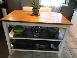 IKEA kitchen island WHITE with 4 white bar stools