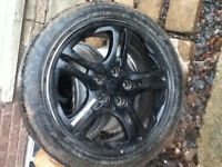 4 pcs hyundai rims 5 bolts 17 inches with 2 tires