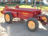 Massey Harris & New Holland 680 tandem Manure spreader