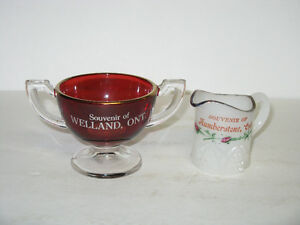 OLD 1960'S GLASS SOUVENIRS OF WELLAND AND HUMBERSTON
