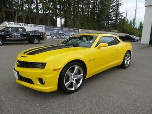 2010 Chevrolet Camaro SS, 6 spd, Sunroof, low kms