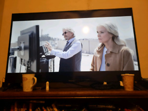 55 inch Westinghouse  4k smarttv with box three weeks old