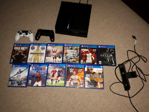 PS4, 2 Controllers, 11 games.