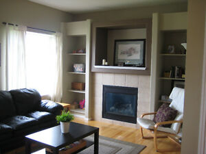 Beautiful End Unit Townhouse in Airdrie with garage