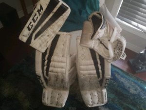 Ccm 30+1 goalie pads and junior gloves