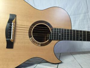 Guitare acoustique --- FABRIQUÉ PAR LUTHIER--- DONC UNIQUE!!