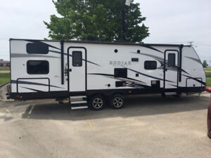 New 2017 Kodiak 288BHSL Travel Trailer