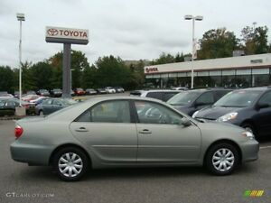 Very Clean 2006 Toyota Camry LE 2.4 L 4 Cycl ** Winter Ready  **