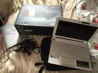 Acer Aspire One Netbook with box