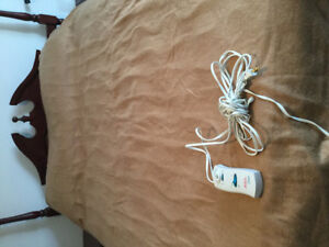 2 Sunbeam Electric Blankets (pickup from Milton, Ontario)