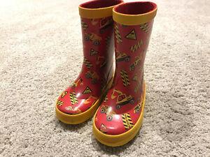 Size 7 rainboots