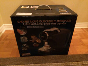 Neuf: Machine à café Caffitaly/New: Coffee machine Caffitaly