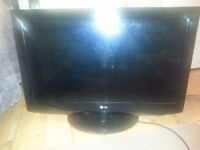 LG LCD Flat Screen TV for SALE!!!