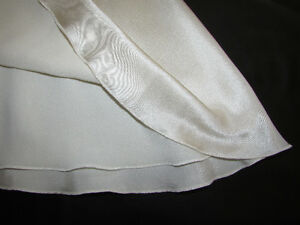 100% SILK Asymmetrical Cream Skirt - Size 3 - NEW with TAGS Gatineau Ottawa / Gatineau Area image 5