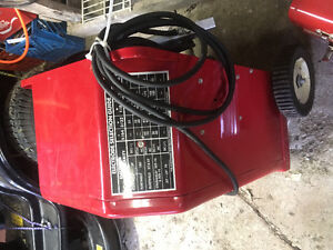 Lincoln Electric. AC/DC 225/125 ARC Welder Kawartha Lakes Peterborough Area image 2