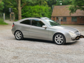 Mercedes Benz C220 CDI COUPE with PANROOF