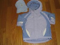 manteau court et chapeau fille 2 ans