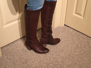 Frye boots barely worn!
