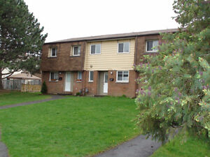 3 Bedroom townhouse - Bells Corners - Available Now