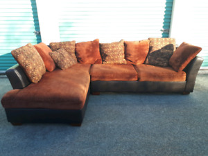 Large Sectional Couch **Delivery Included