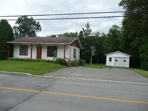Maison a louer Saguenay Saguenay-Lac-Saint-Jean image 4