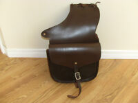 sacs de selle en cuir / saddle bags