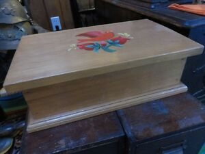 VINTAGE FOLK ART PINE BOX WITH PAINTED BIRD ON TOP asking $45 or