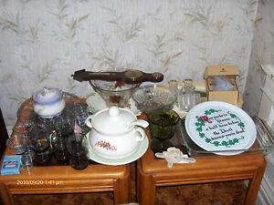 Dinnerware and knicknacks