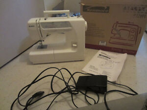 SEWING MACHINE - MACHINE A COUDRE