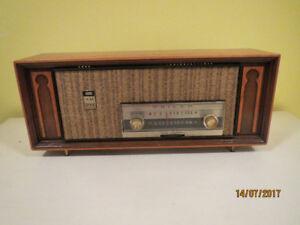 radio am-fm antique PHILCO a lampes