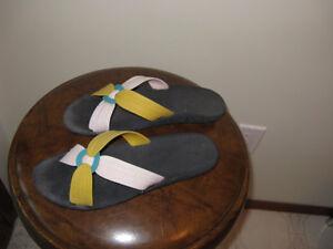 Sandals/Shoes/Runners/Aqua socks 2pr $15  3pr $20 Prince George British Columbia image 6