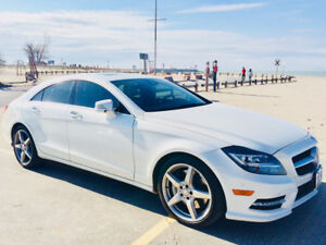 2014 Cls 550 one owner , mint 37km. white on white leather.