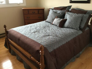 WHAT A BARGAIN! Beautiful Vilas Bedroom Set Sold wood.