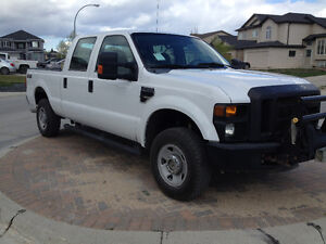 2009 Ford F-250 Super Duty XL Crew Cab 4X4 (51000 original km's)