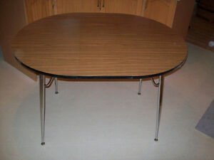 VINTAGE - KITCHEN TABLE ( WITH REMOVEABLE  SECTION )