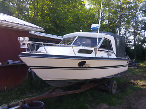 20' Strata Craft Boat