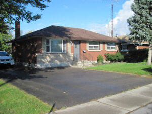 Beautiful  4 bedroom house for rent - St. Catharines  $1799+ uti