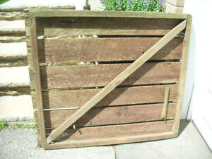 Free Wooden gate door 48' tall, 42' wide