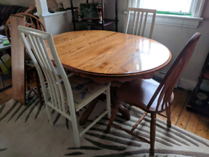 Kitchen table + 4 chairs +coffee table + 2 end tables