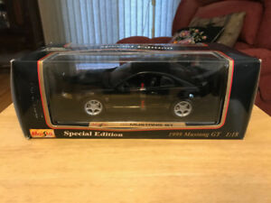 1999 Mustang GT 1:18 scale diecast model