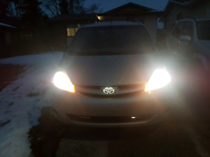 Well Maintained 8 seater, Toyota Sienna 2007 with some Extras! $