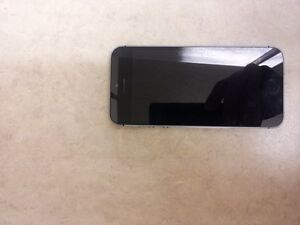 iPhone 5s is in mint condition locked to Rogers