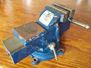 Swivel Base Bench Vise