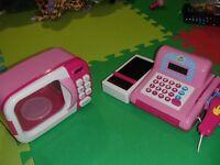 10$ chaque- micro onde et caisse pour enfant