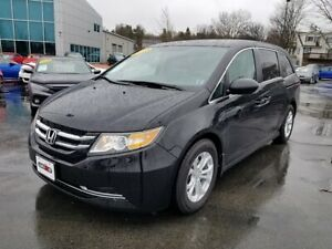 2014 Honda Odyssey SE / 8 Passenger / Back-Up Camera
